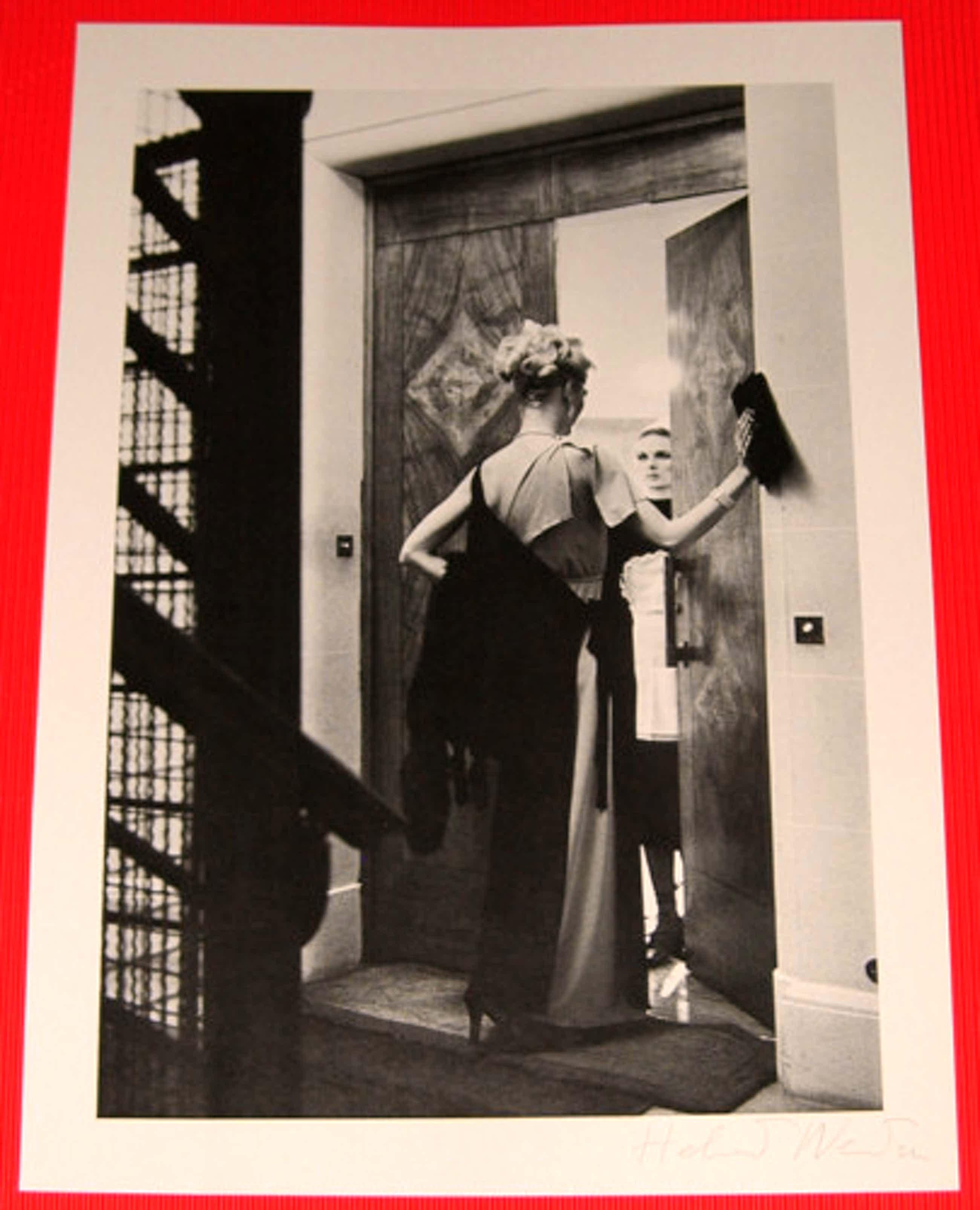 Helmut Newton - 16th Arrondissement, Paris 1976, Handsigniert. Vintage. kopen? Bied vanaf 380!