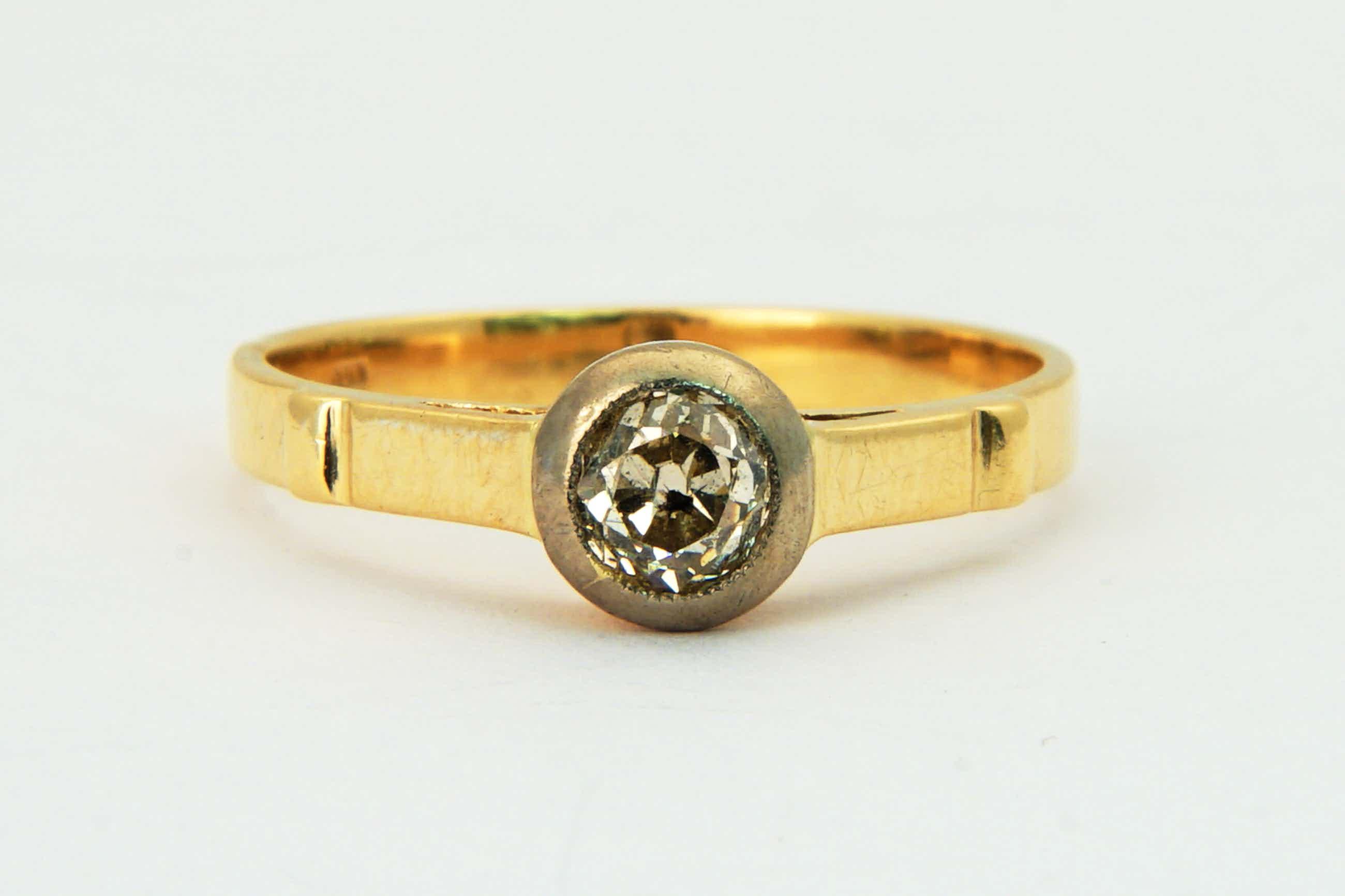 2289 -  Antieke 14 krt gouden & diamanten ring -solitair- Bolsjewiek slijpvorm! kopen? Bied vanaf 140!