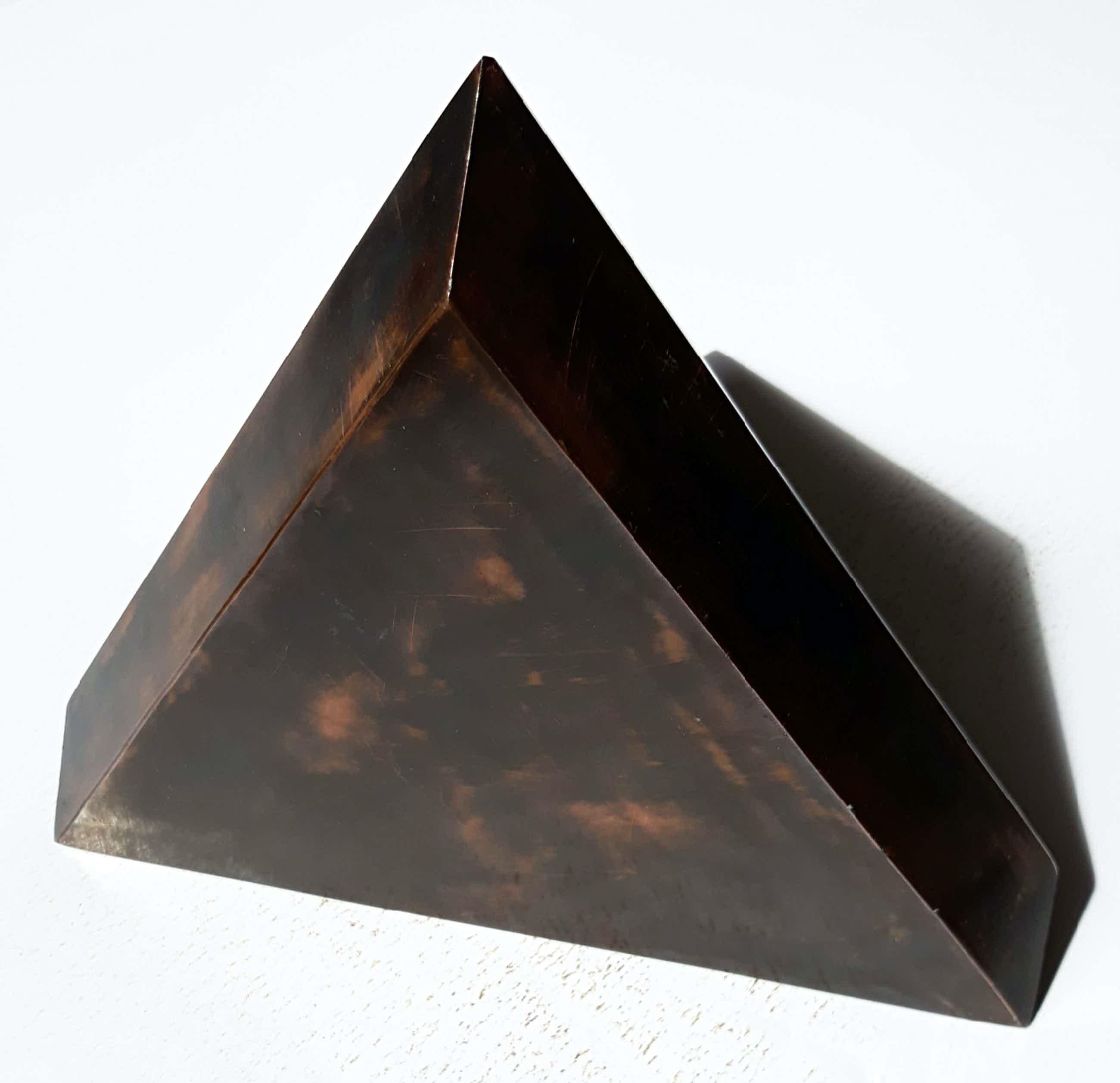 Nato Frascà - Pyramide-achtig object, brons kopen? Bied vanaf 360!