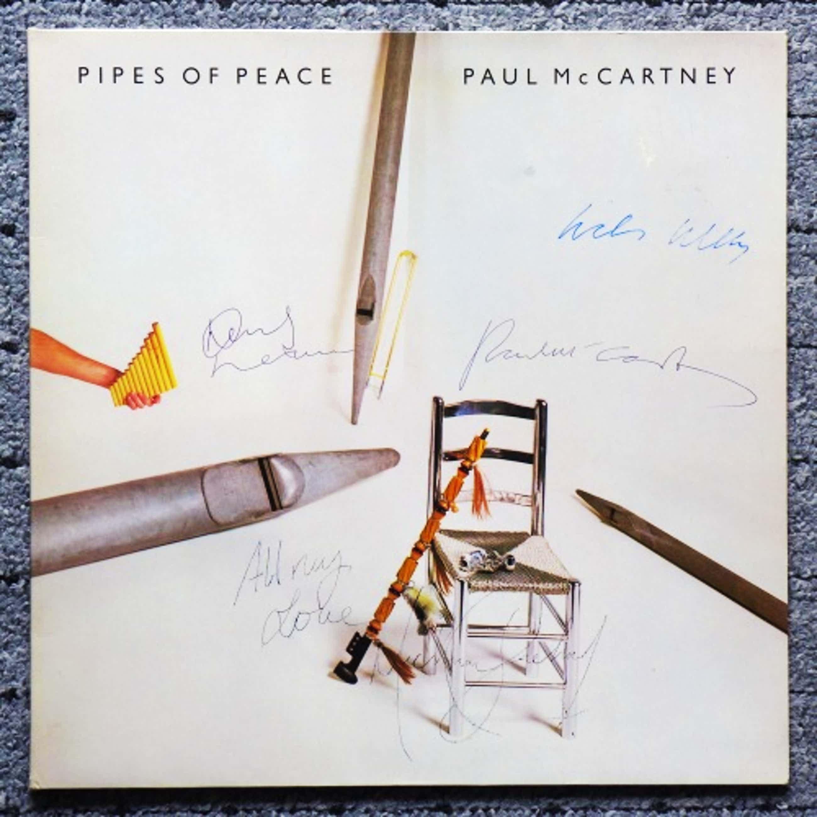Paul McCartney - Pipes Of Peace, LP signiert: Paul McCartney, Linda McCartney, Michael Jackson. kopen? Bied vanaf 138!
