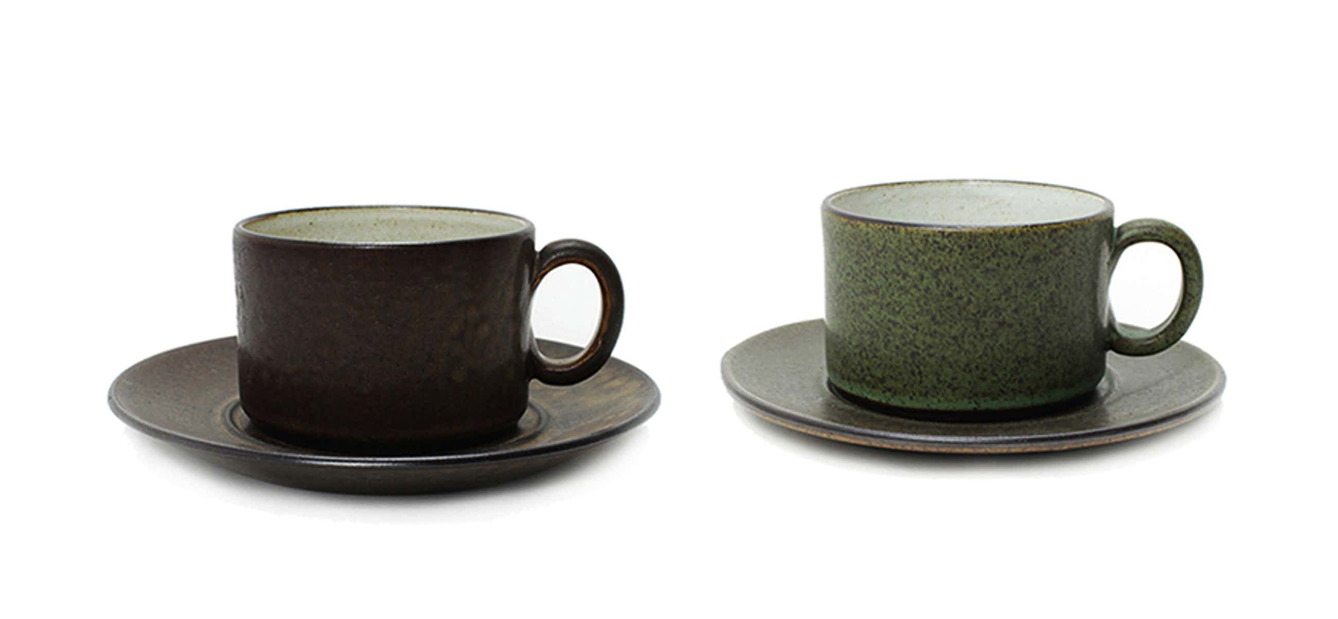 Potterij Zaalberg - 2 aardewerk kop en schotels kopen? Bied vanaf 10!