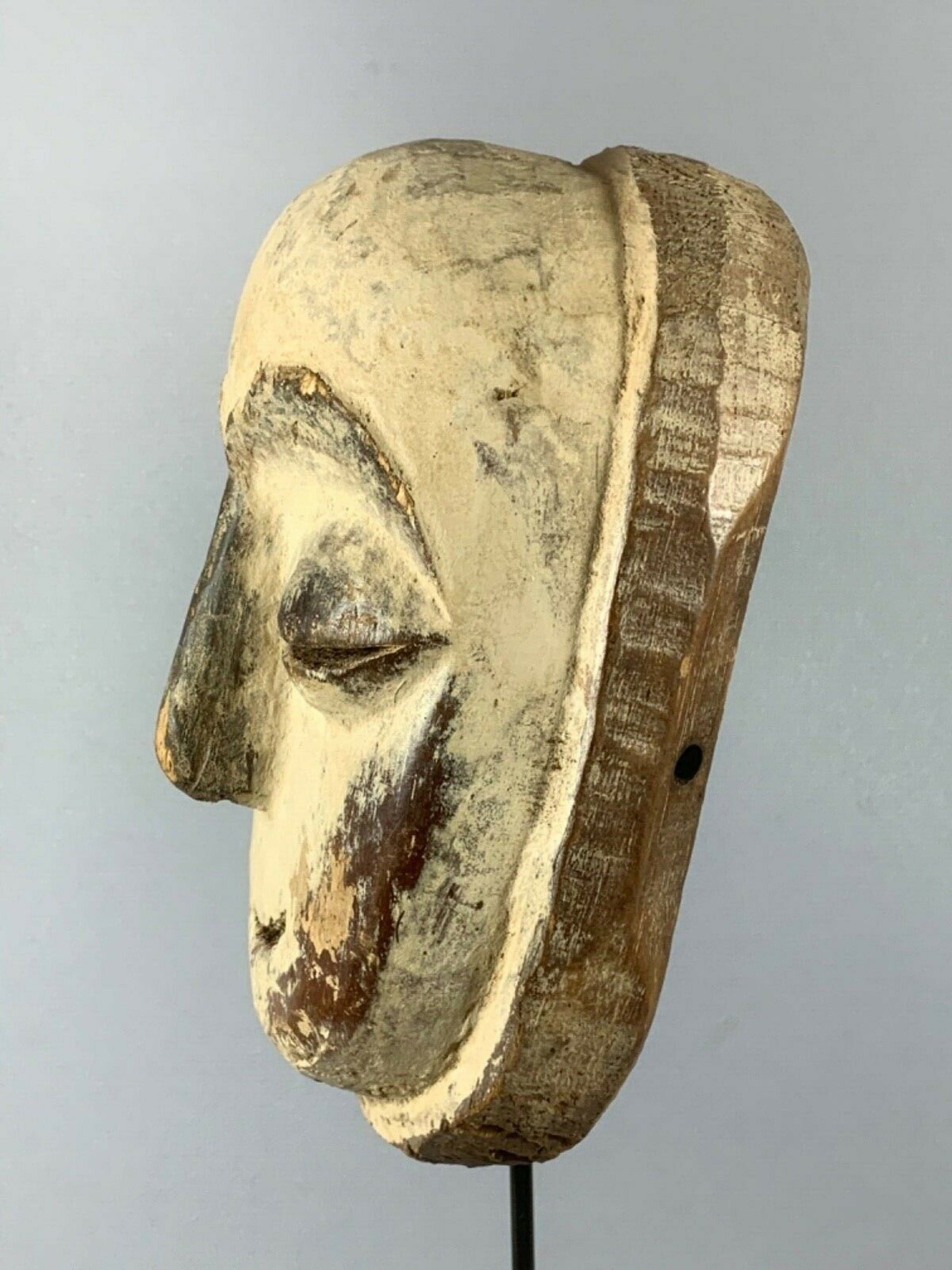 Dogon - 200356 - Old African Tribal used mask from the Galoa - Gabon. kopen? Bied vanaf 35!