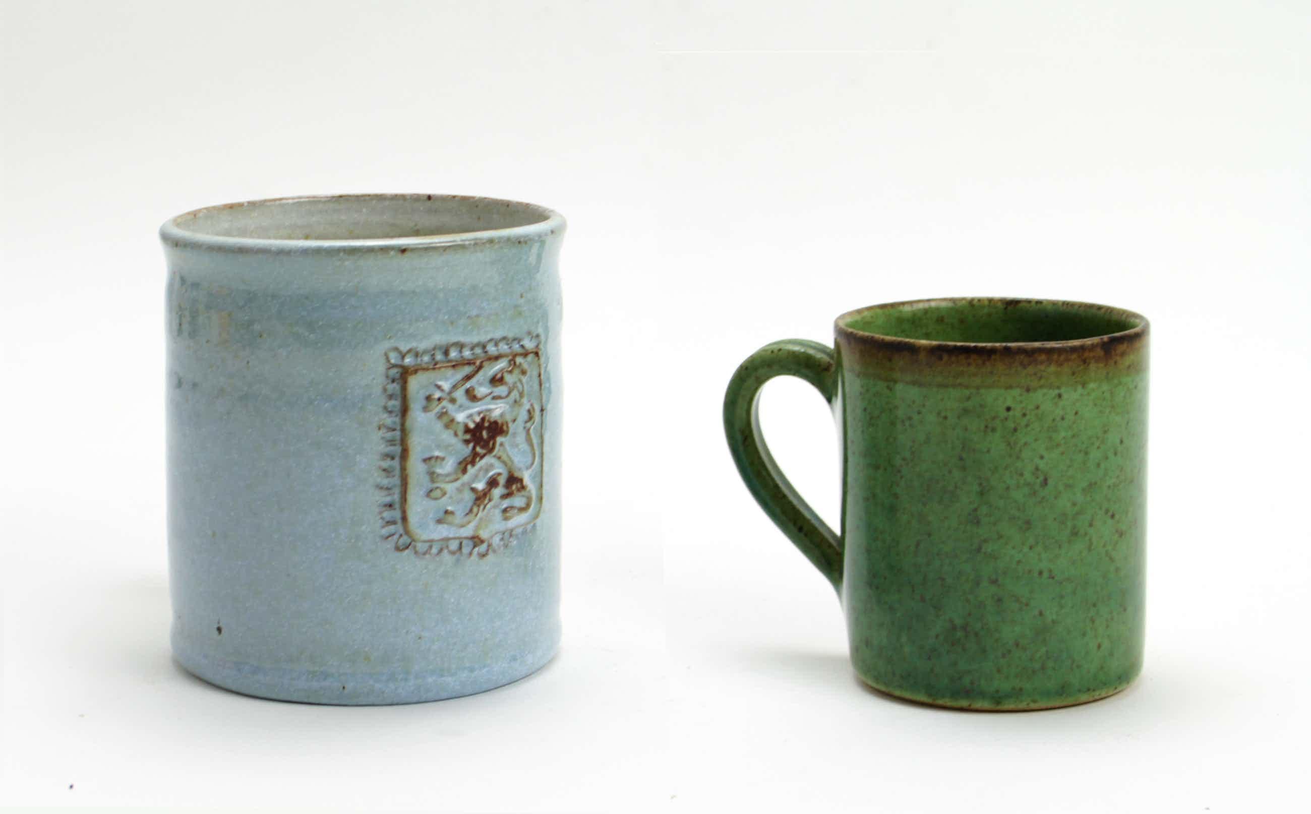 Potterij Zaalberg - 2 aardewerk bekers kopen? Bied vanaf 10!