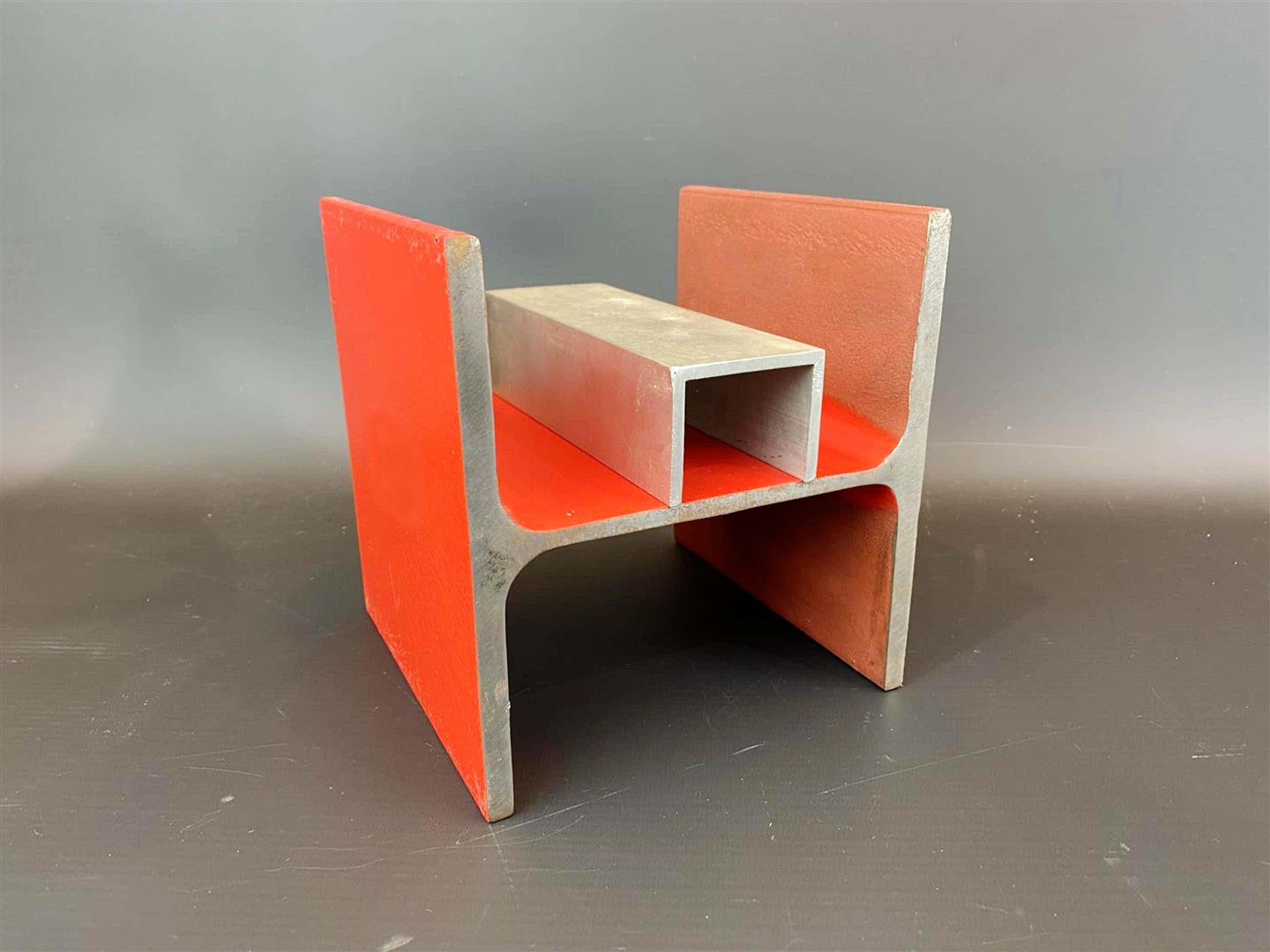 Piet Tuytel - Rood gelakte ijzeren en aluminium sculptuur - 2003 kopen? Bied vanaf 260!