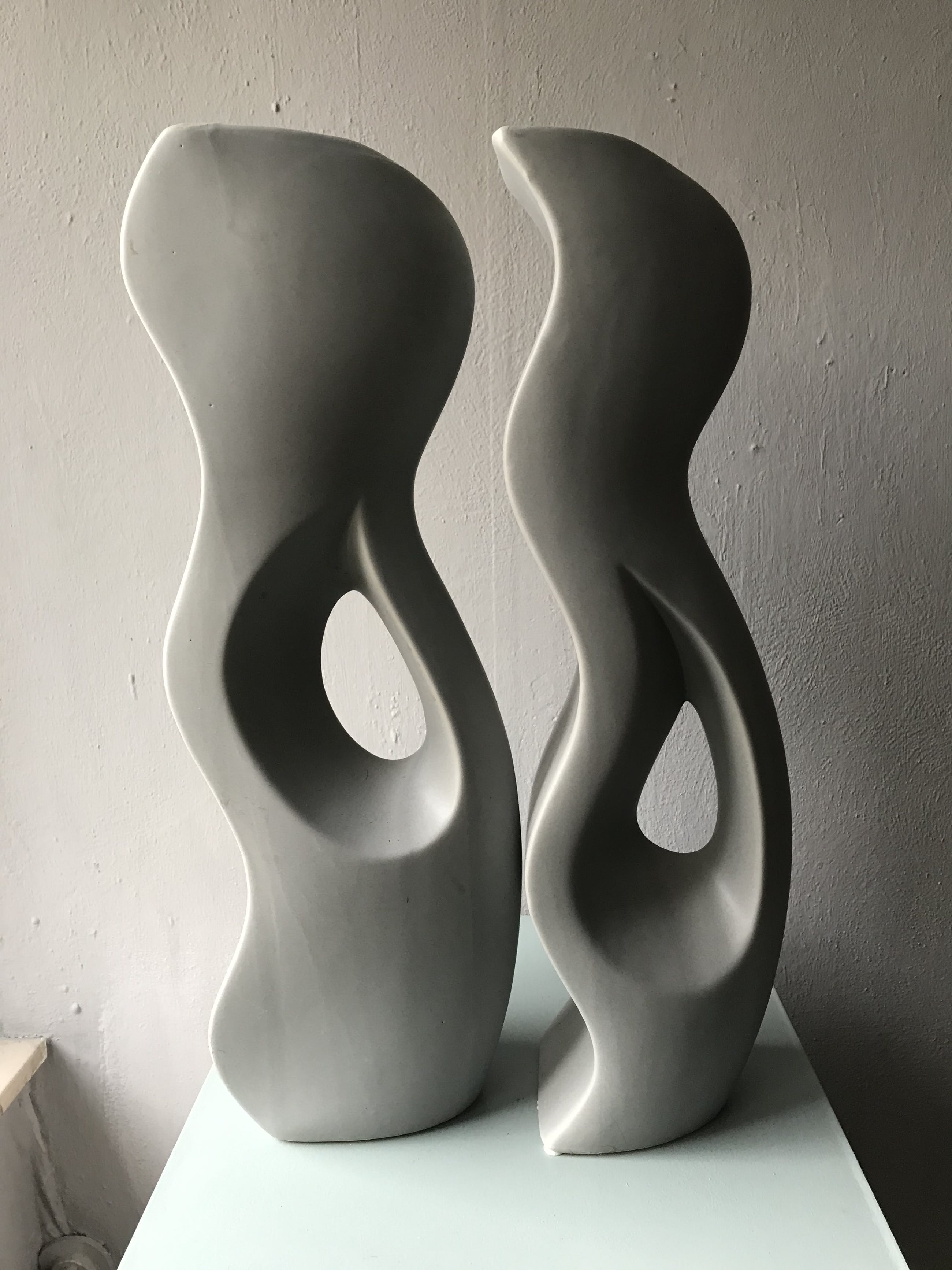 Marianne Bey - Two vases grey kopen? Bied vanaf 35!