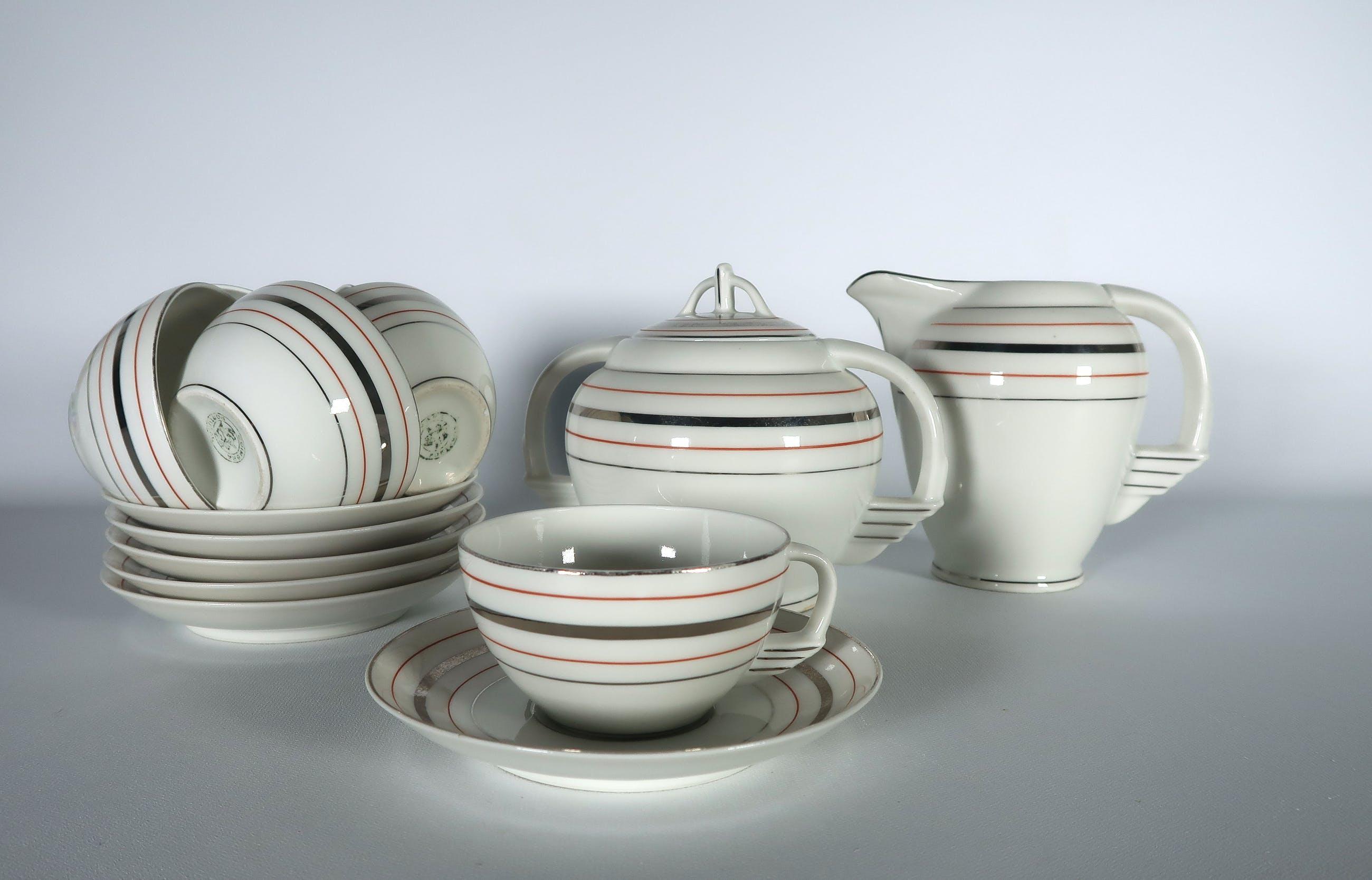 Porselein Servies Kopen.Niet Of Onleesbaar Gesigneerd Porselein 14 Delig Portugees