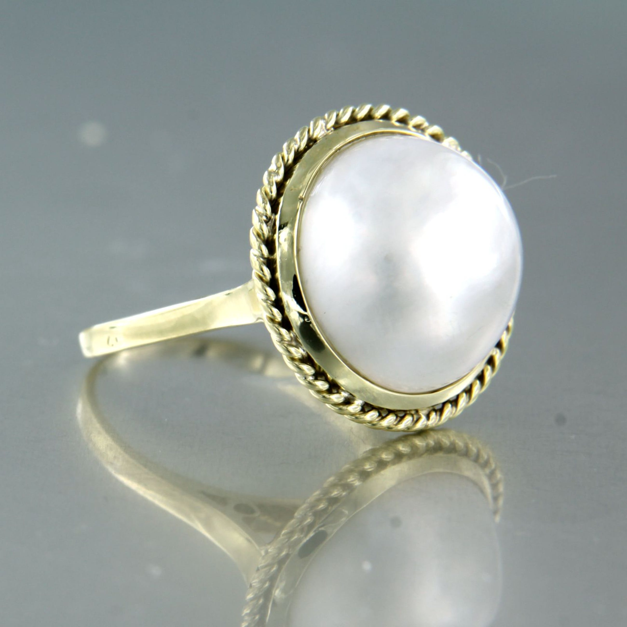 14K Goud - geel gouden ring bezet met een mabee parel, ringmaat 17 (53) kopen? Bied vanaf 240!