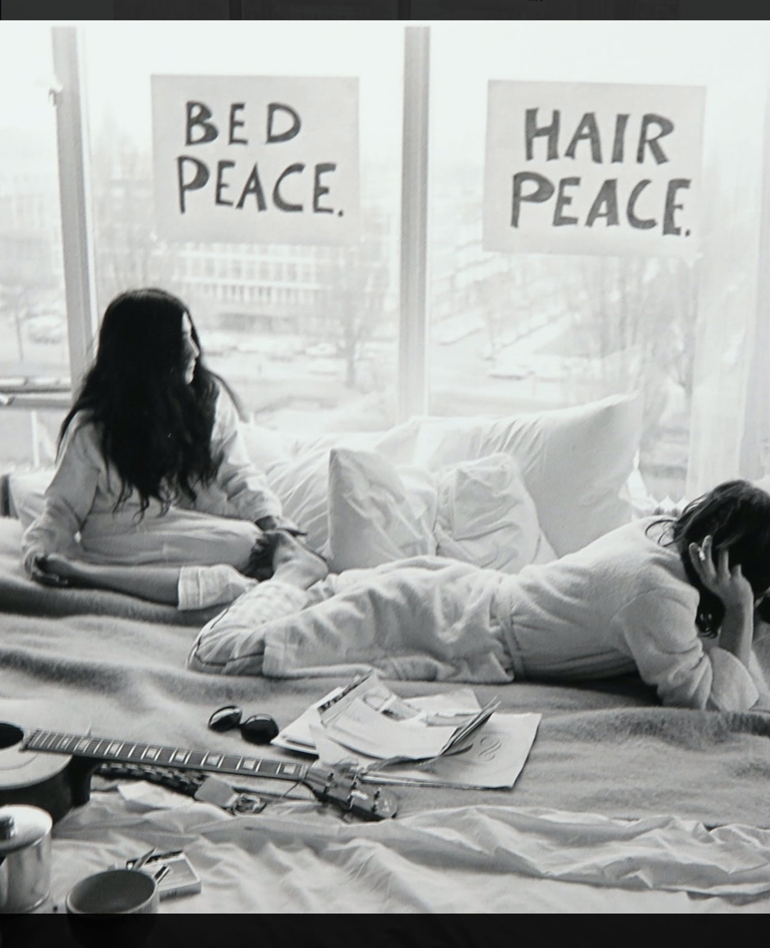 Nico Koster - John Lennon en Yoko Ono in het Hilton Hotel kopen? Bied vanaf 150!