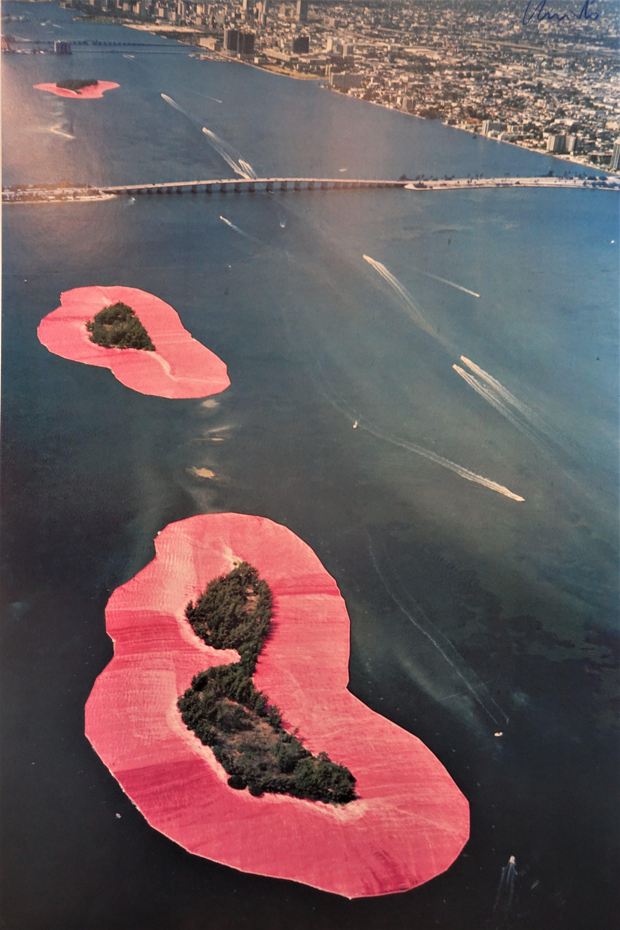 Christo - Surrounded Islands 1980-1983 - Biscayne Bay kopen? Bied vanaf 390!