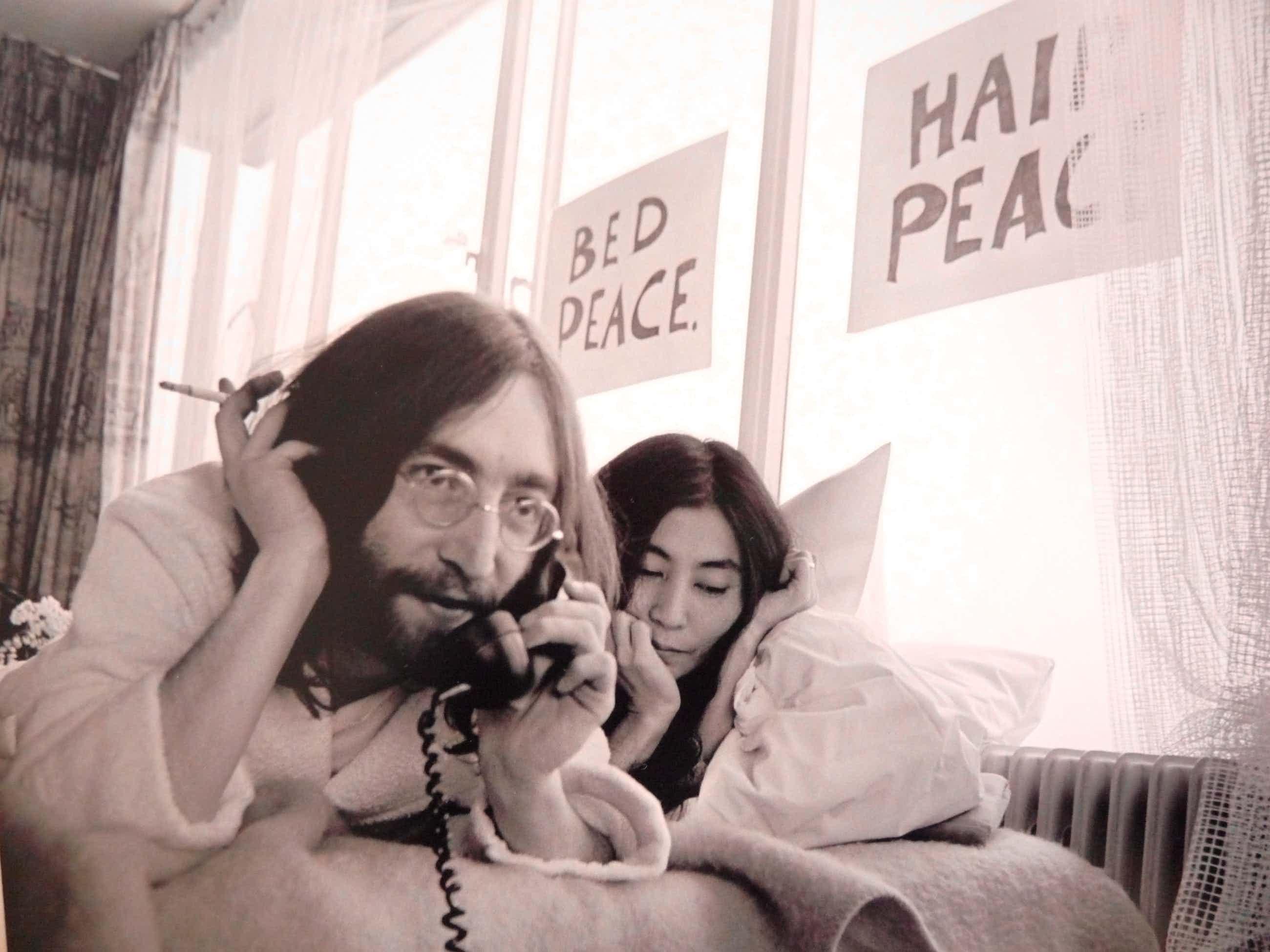 "Nico Koster - ""BED-IN FOR PEACE"" JOHN EN YOKO IN HILTON 1969 kopen? Bied vanaf 307!"