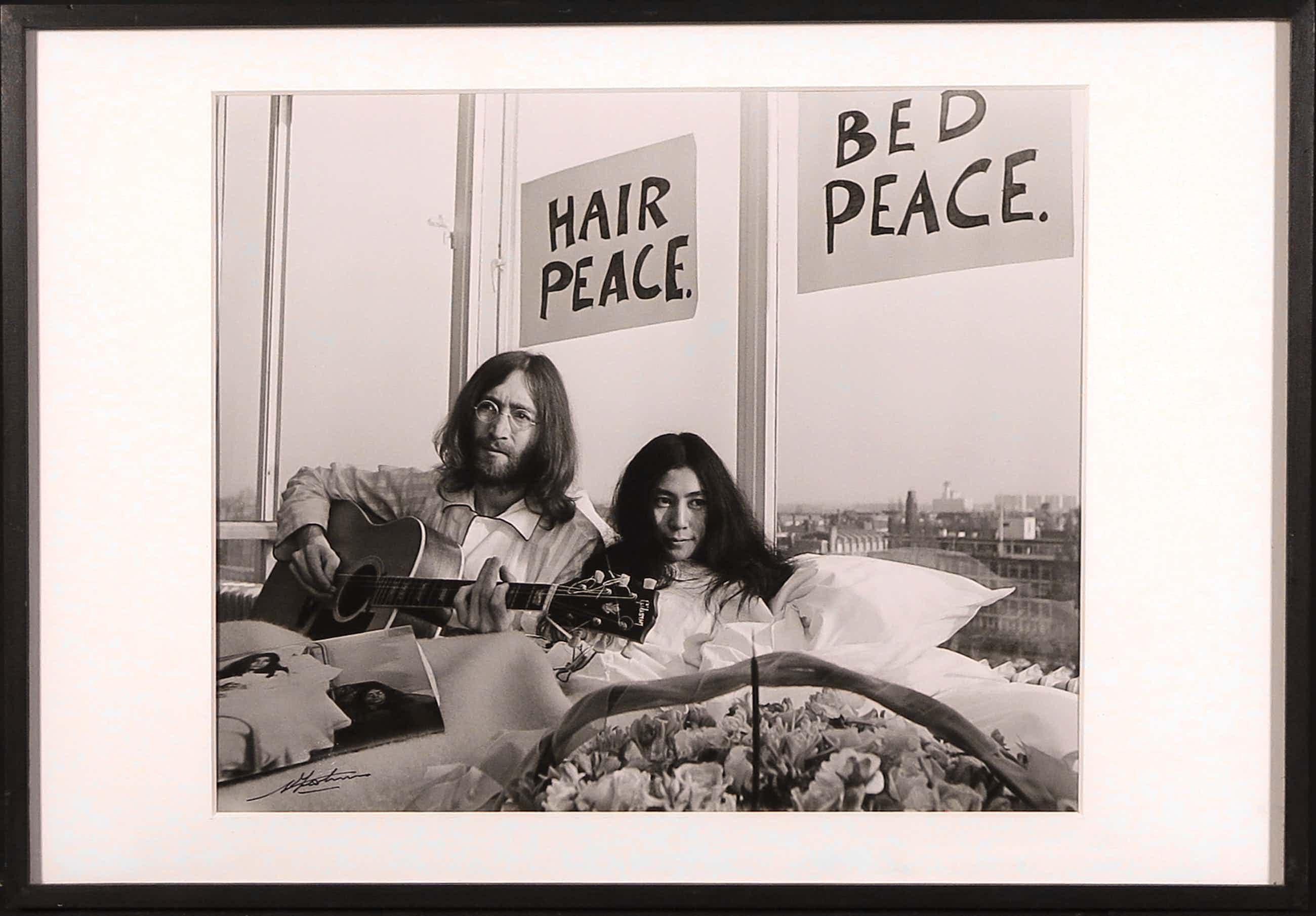 Nico Koster - Foto, John Lennon & Yoko Ono - Ingelijst kopen? Bied vanaf 160!
