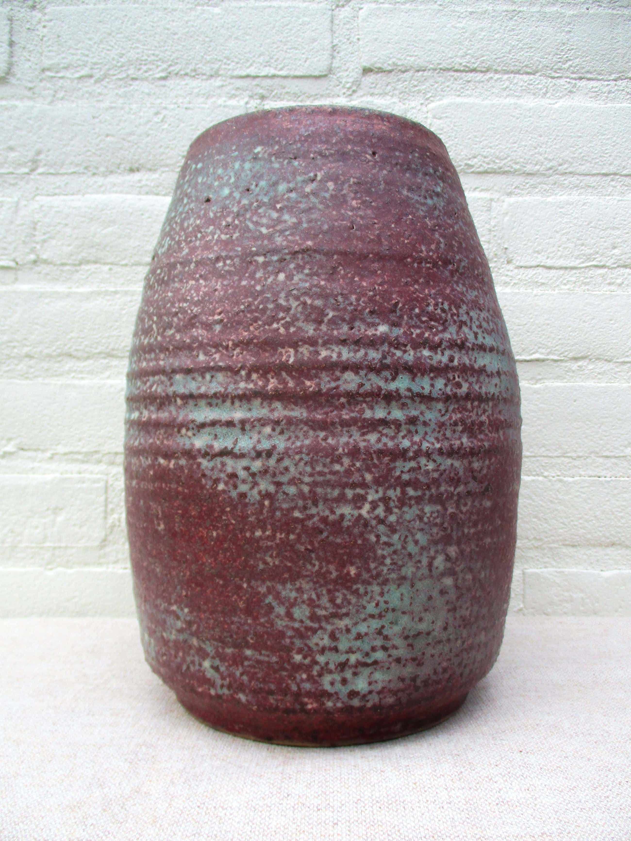 Mobach Keramiek - Grote vaas paars/blauw tinten kopen? Bied vanaf 35!