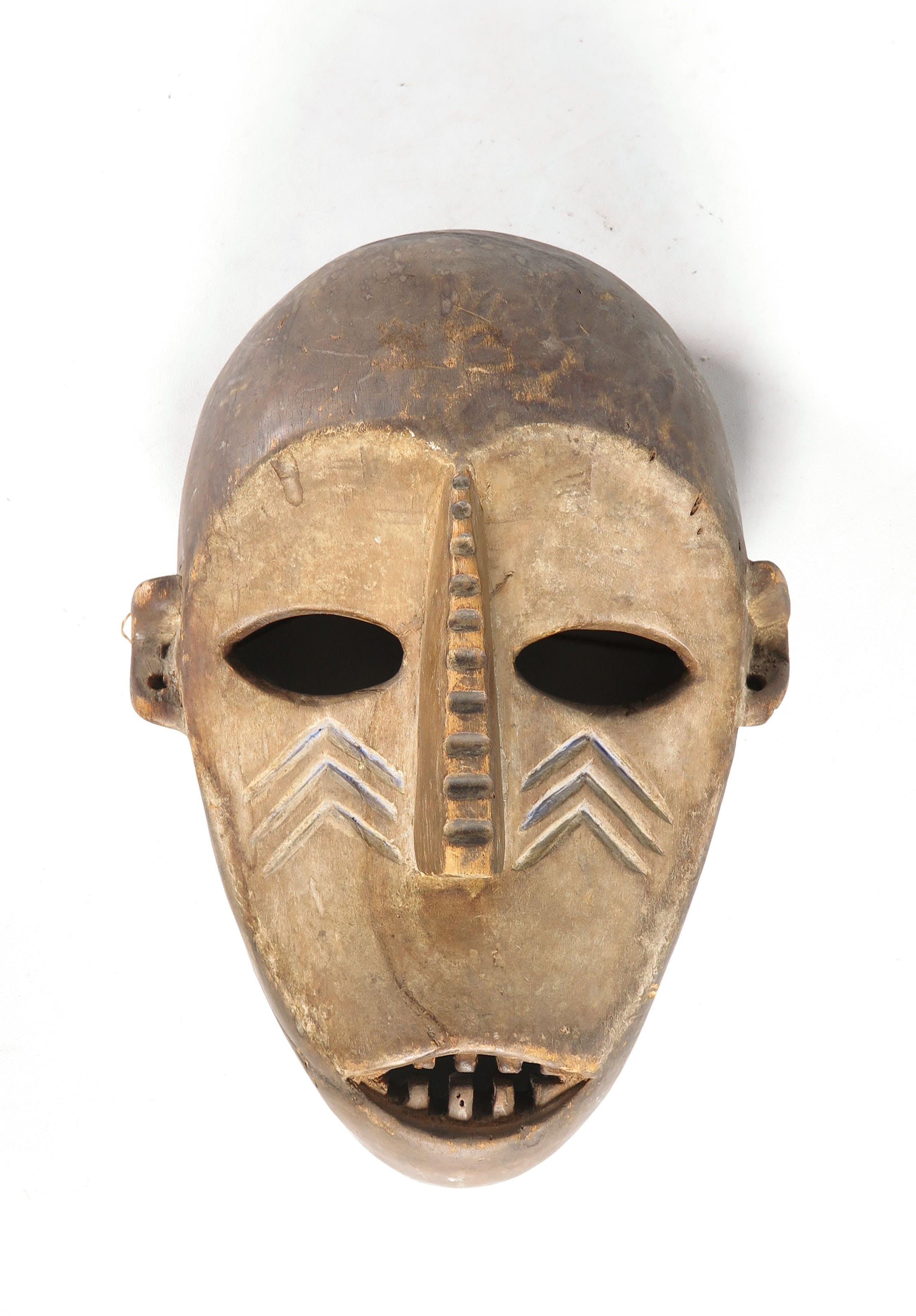 Bwaka - Hout, Masker kopen? Bied vanaf 1!