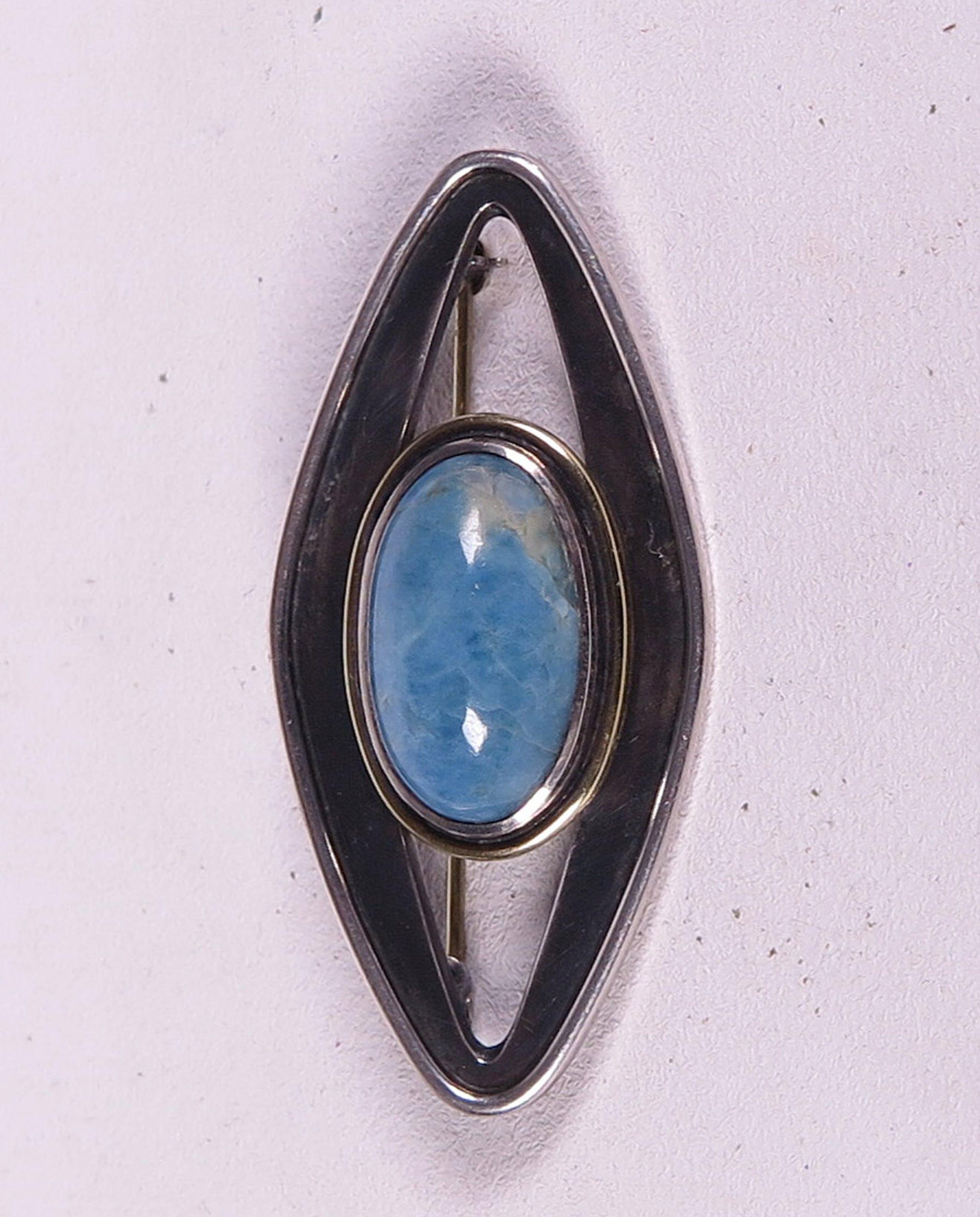 Zilveren broche met turquoise steen, eerste gehalte zilver. kopen? Bied vanaf 1!
