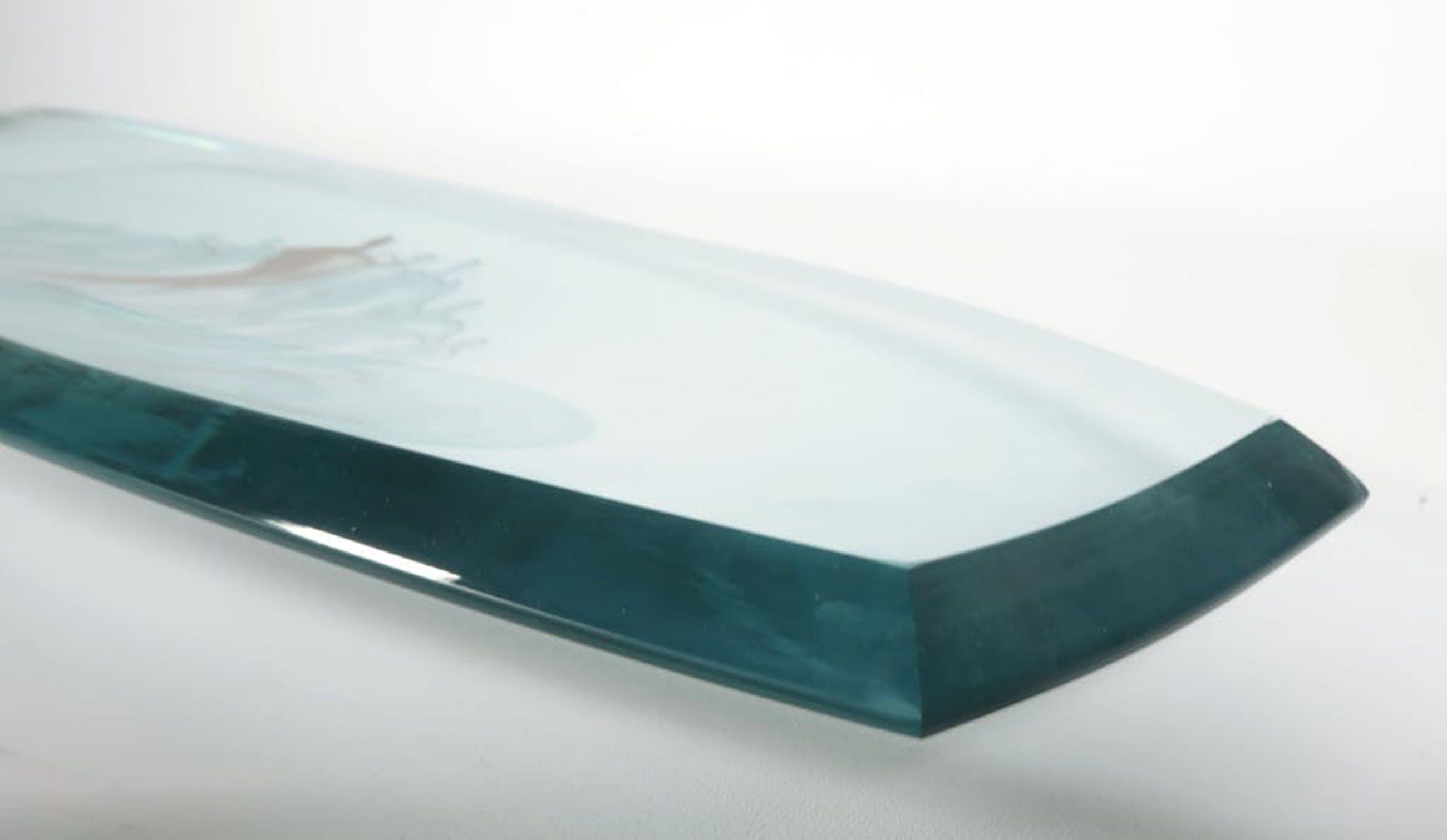 Corry Ammerlaan - Glazen schaal met twee metalen sculpturen in houten doos kopen? Bied vanaf 10!