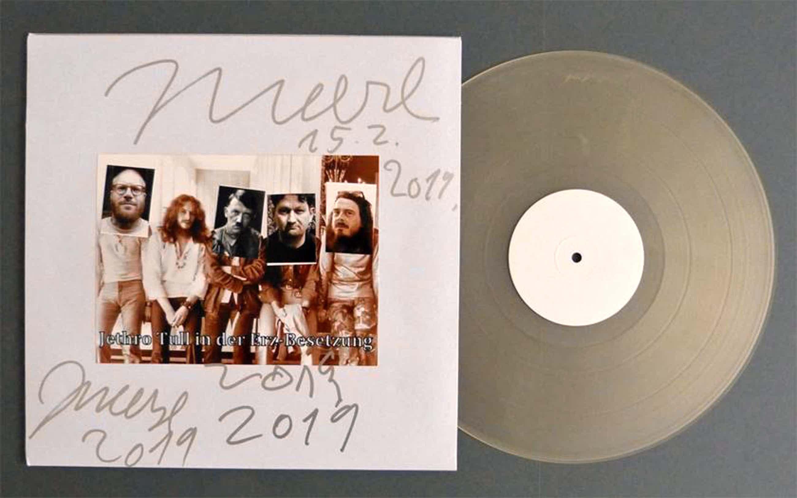 Jonathan Meese - Jethro Tull Vinyl von Jonathan Meese auf dem Cover überarbeitet kopen? Bied vanaf 340!