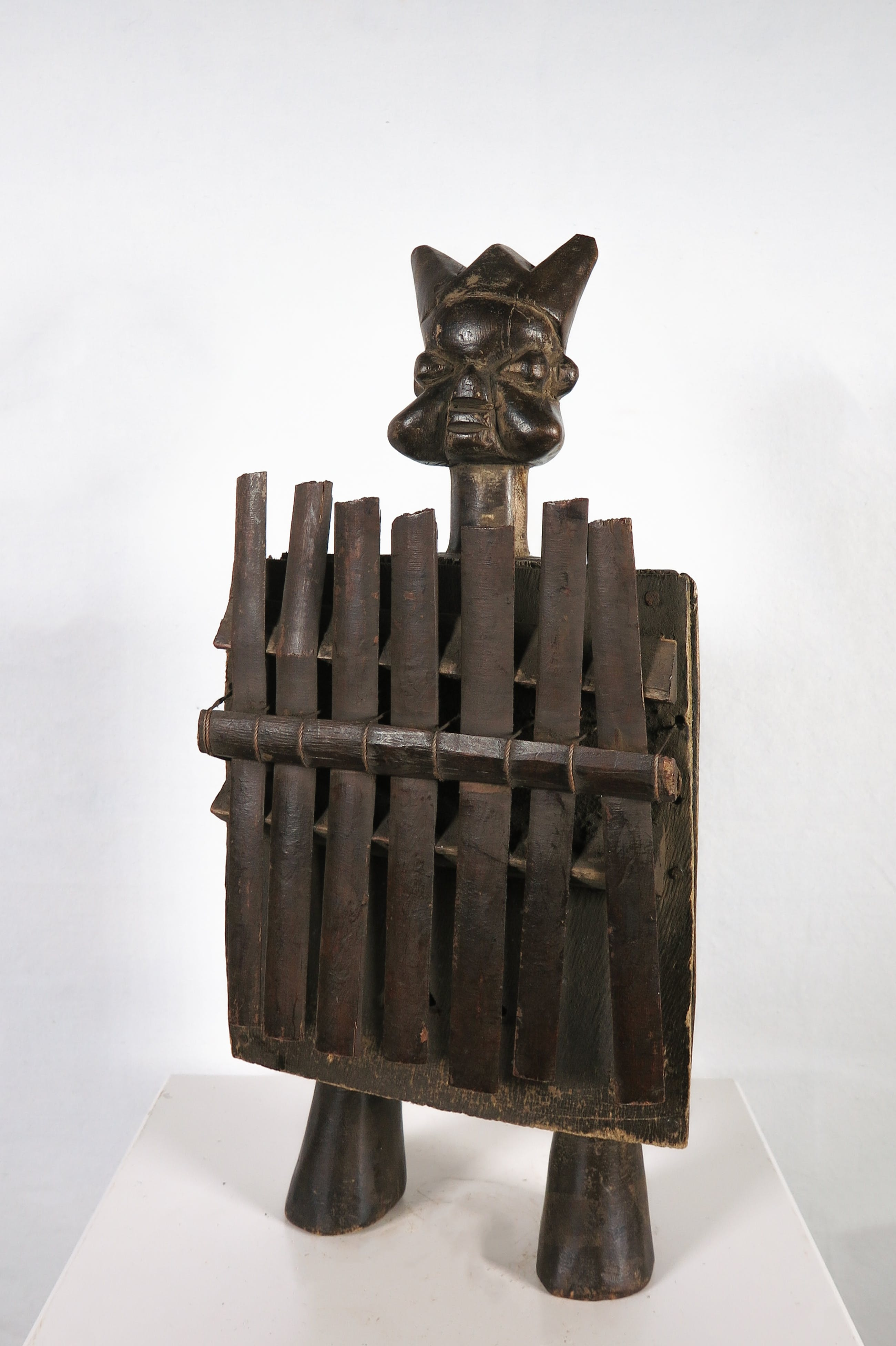 Luba - Sanza muziekinstrument met halfronde klankkast en bamboe tongen kopen? Bied vanaf 1!