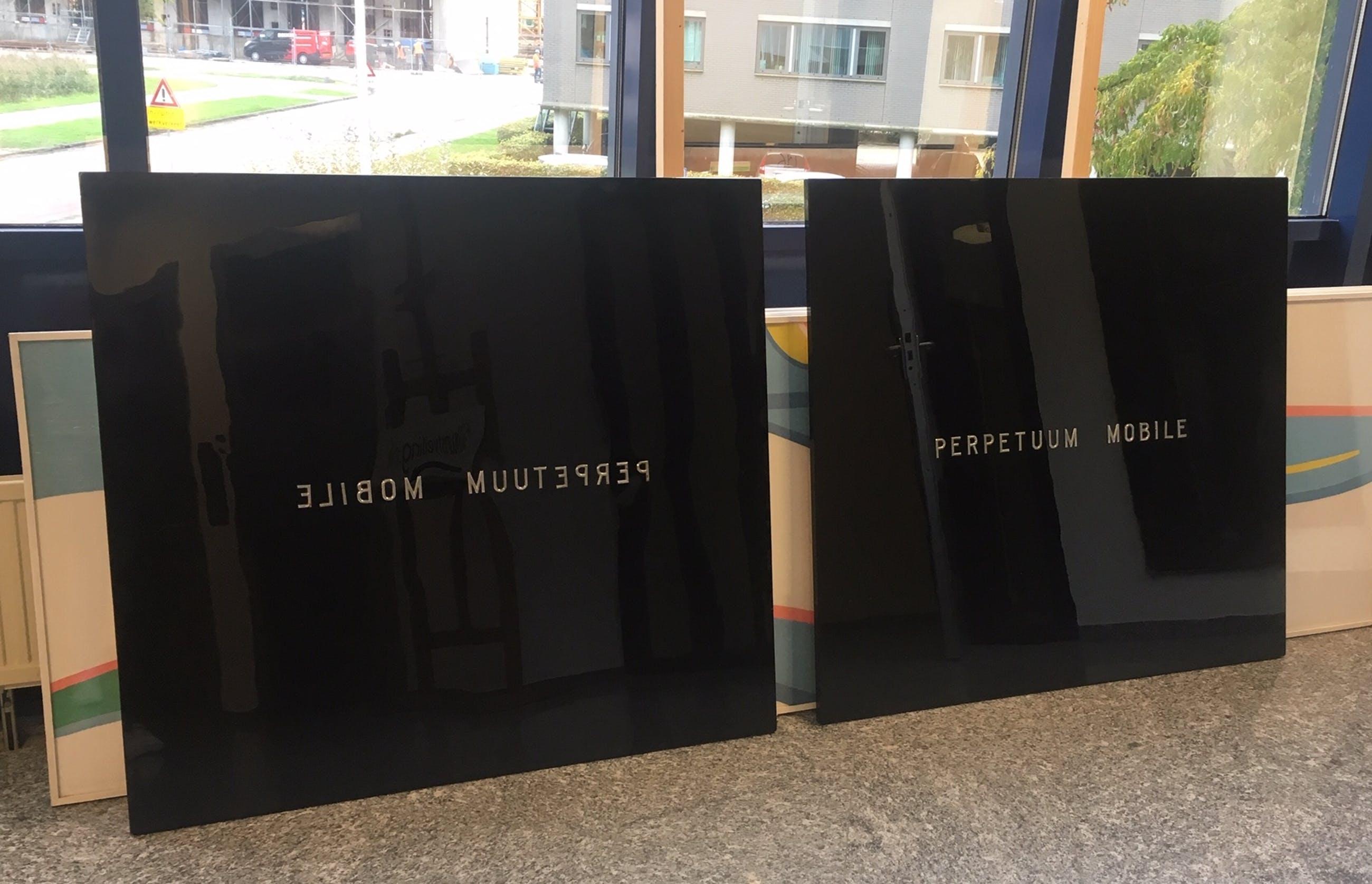 Dirk Muller - Tweeluik hout met kunststof, Perpetuum Mobile (Groot) kopen? Bied vanaf 1!