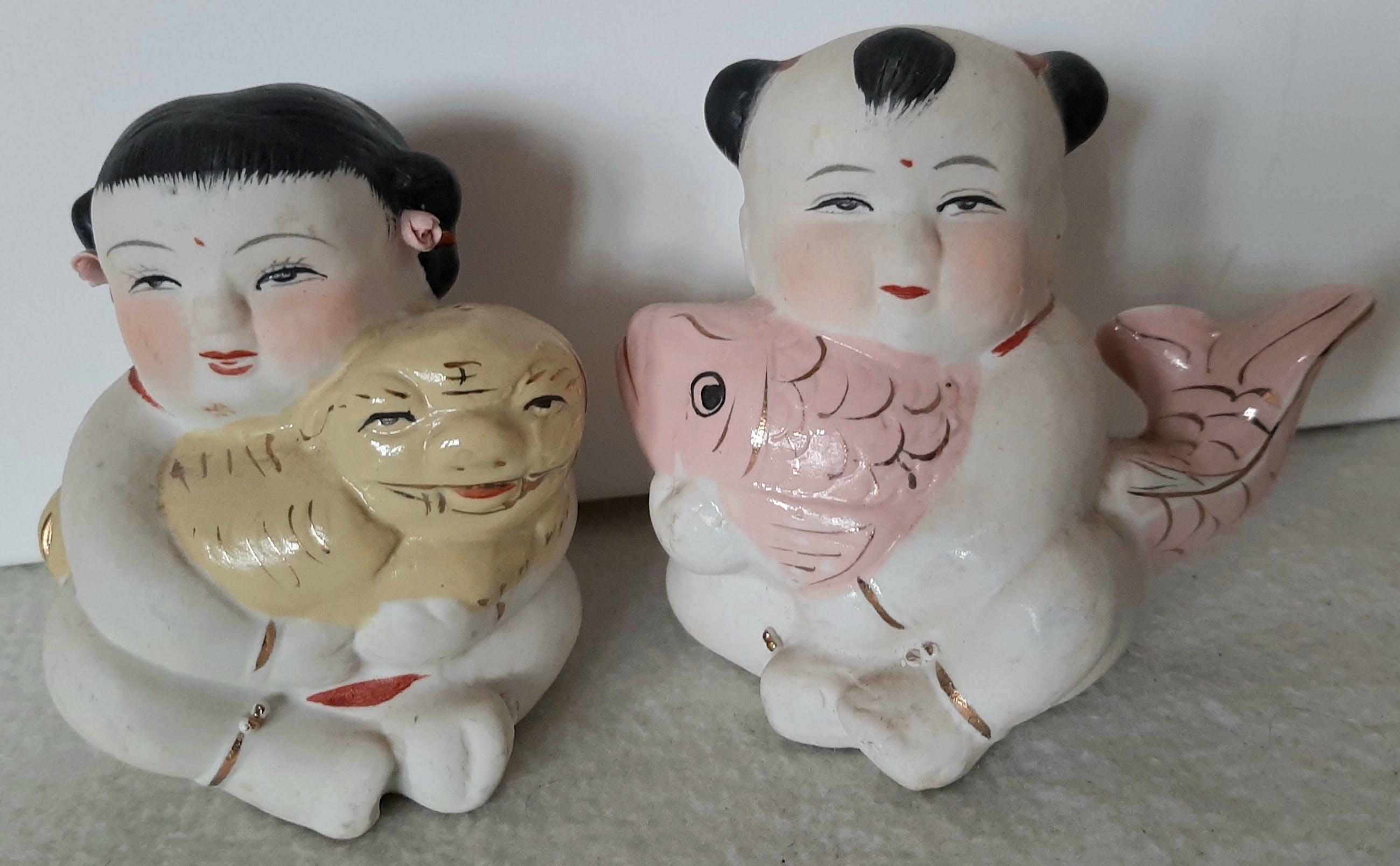Niet of onleesbaar gesigneerd - Zeldzame beeldjes uit Japan 2 x stuks kopen? Bied vanaf 1!