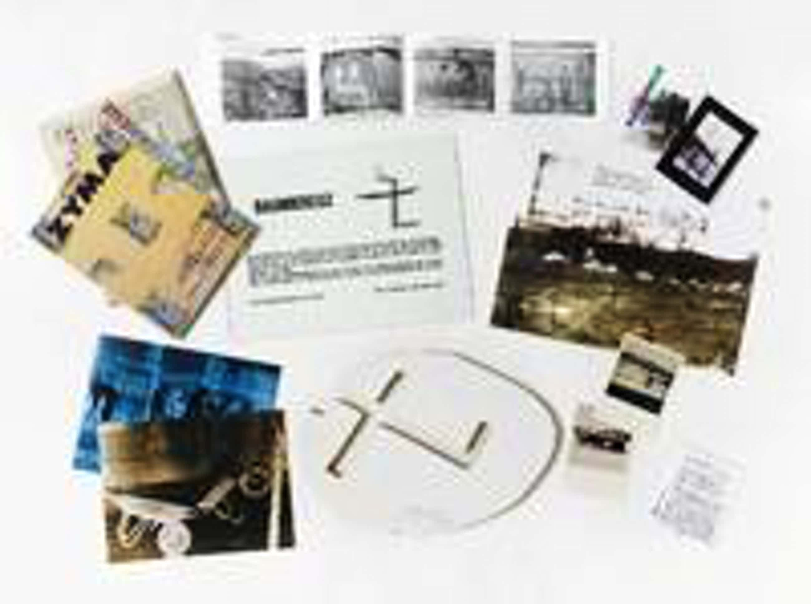 Felix Droese - Baumkreuz, Mappenwerk, eins v. 100 Expl. sign. Objekte von div. Künstlern kopen? Bied vanaf 950!