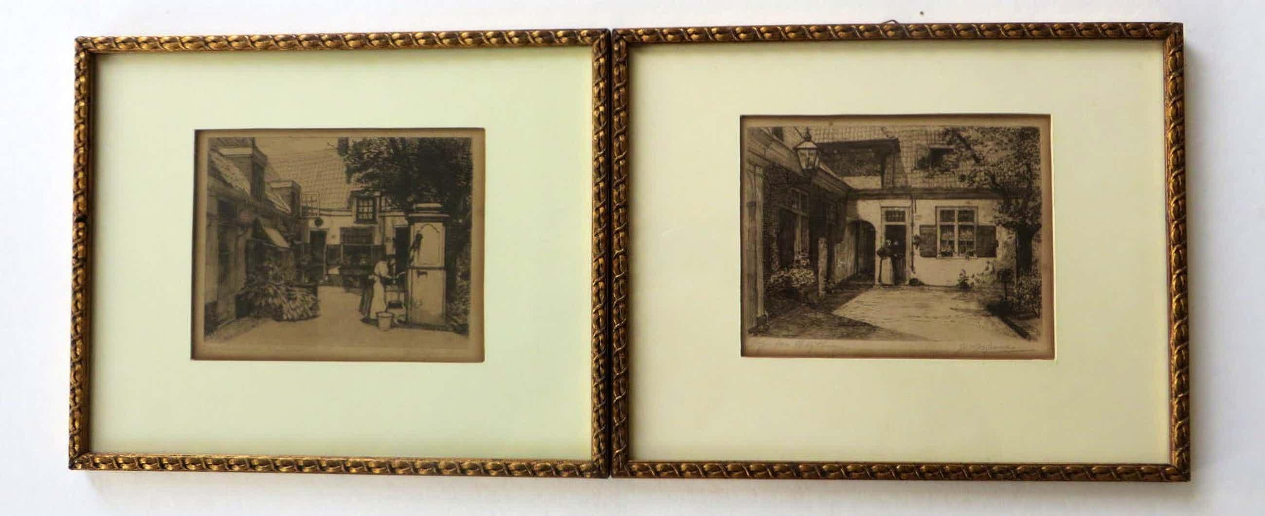 Johannes Josseaud - Twee afbeeldingen van Haarlemse hofjes. Groothuishofje en Heythuijzen hofje. kopen? Bied vanaf 35!