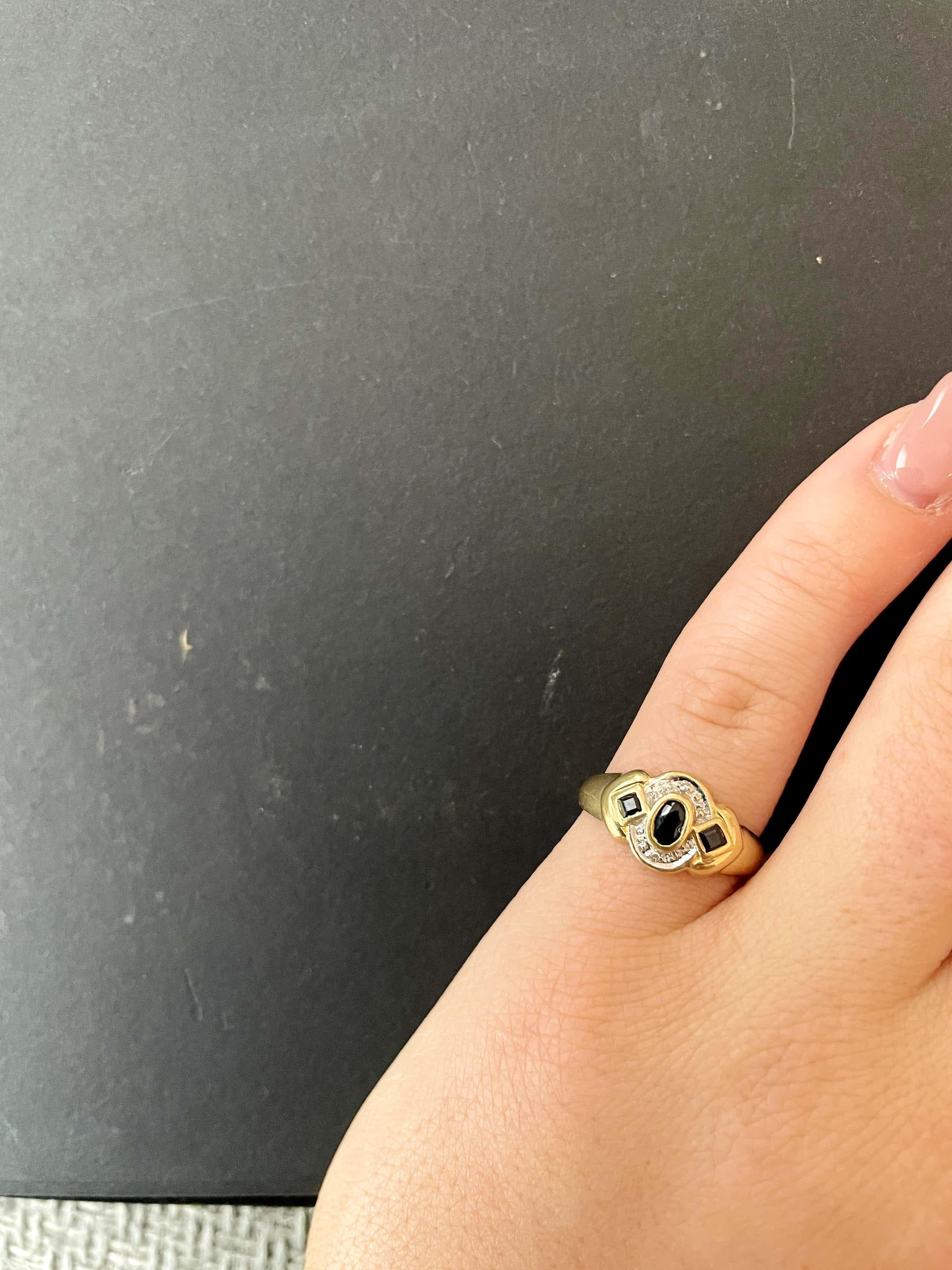 18kt gouden diamanten ring+ saffier, maat 53/16,75, 2,85 gr kopen? Bied vanaf 120!