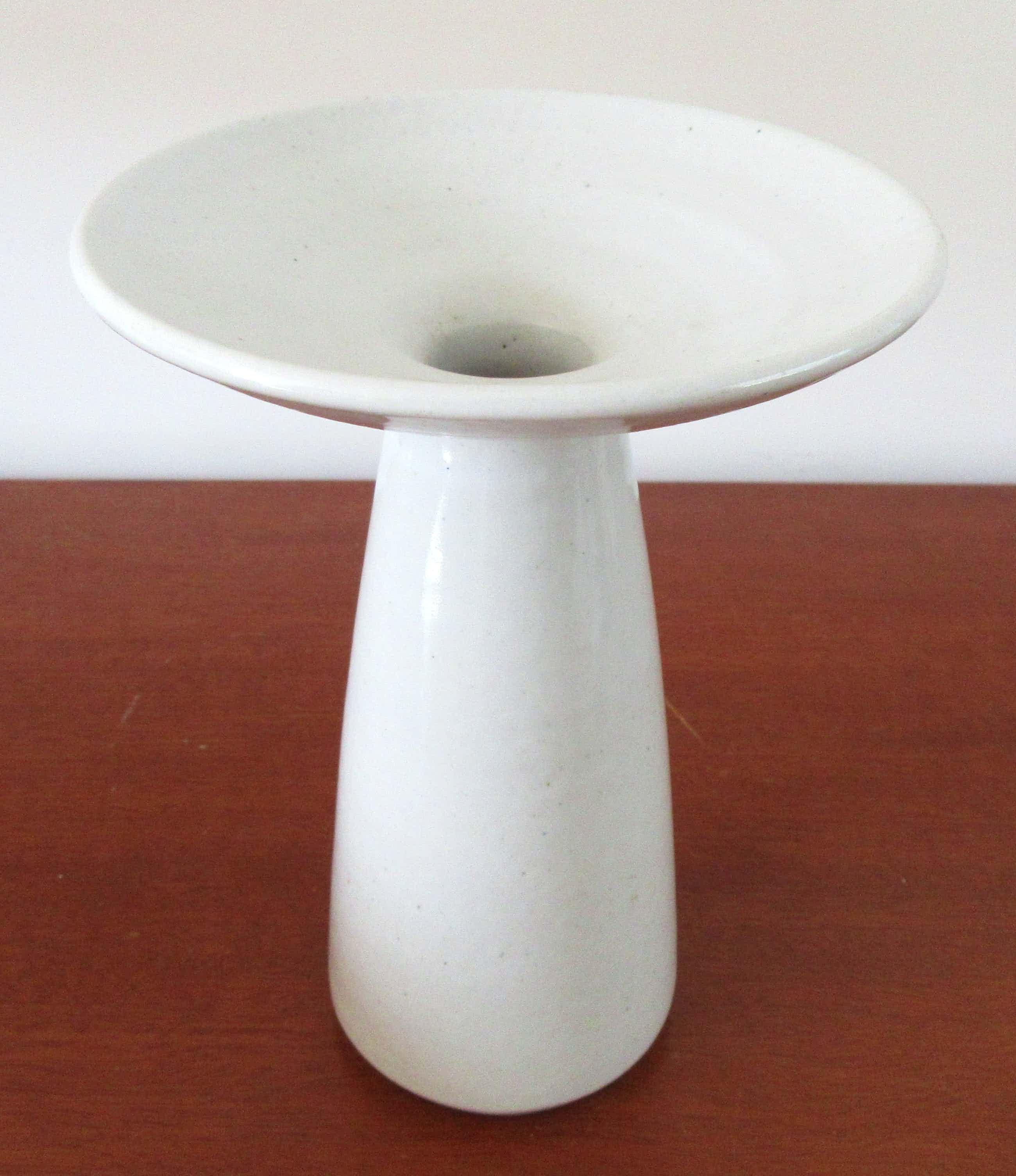 Potterij Zaalberg - Witte kunst aardewerken kandelaar kopen? Bied vanaf 5!