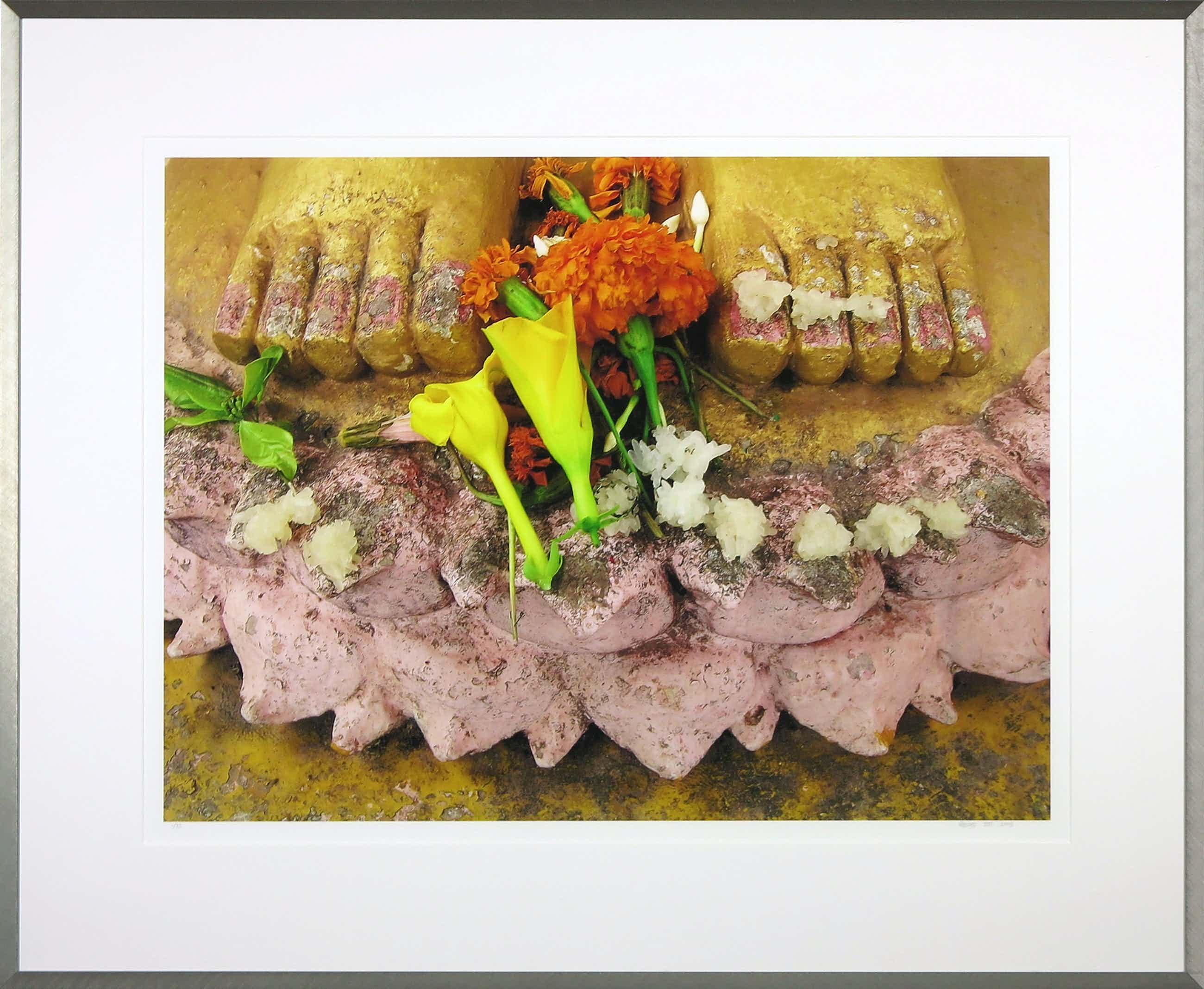Mark Verdoes - Foto, Buddha love flowerfeet - Ingelijst kopen? Bied vanaf 60!