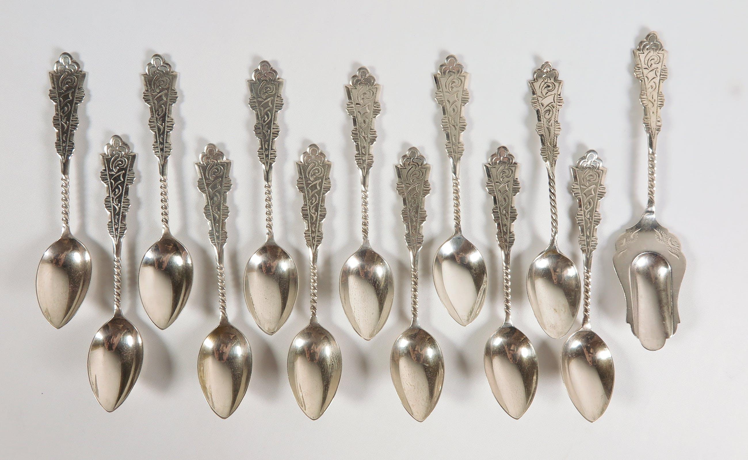 12 zilveren theelepels met suikerschepje kopen? Bied vanaf 120!
