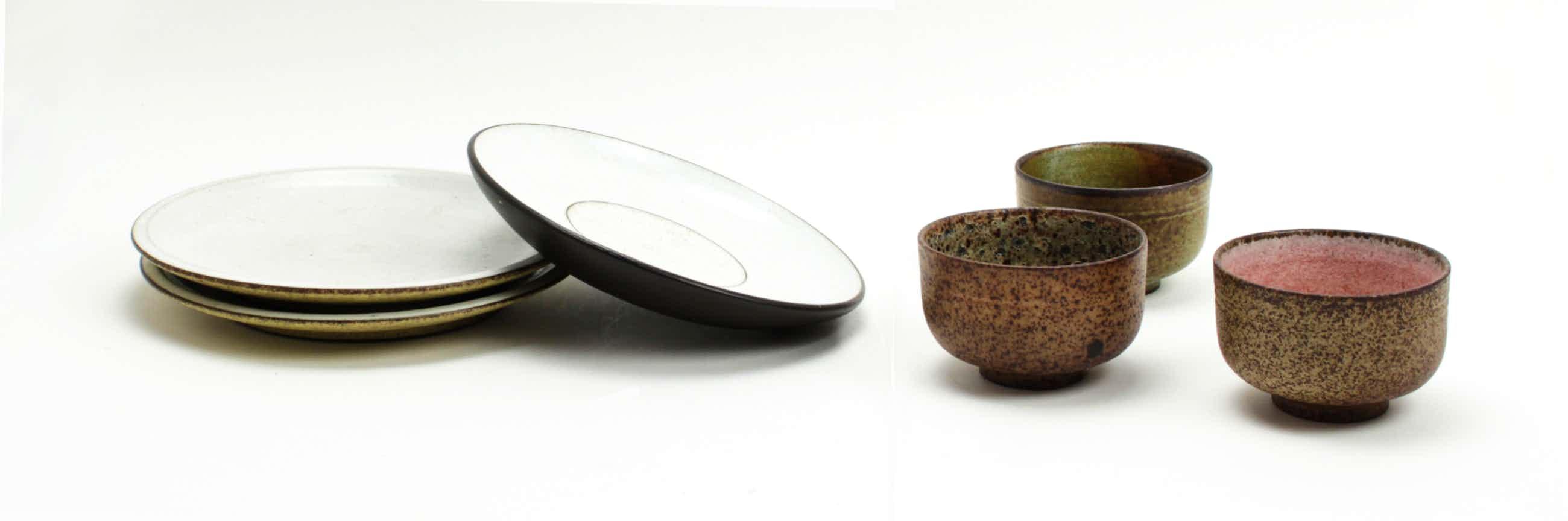 Potterij Zaalberg - 2 borden + 1 schotel + 3 kommetjes kopen? Bied vanaf 25!
