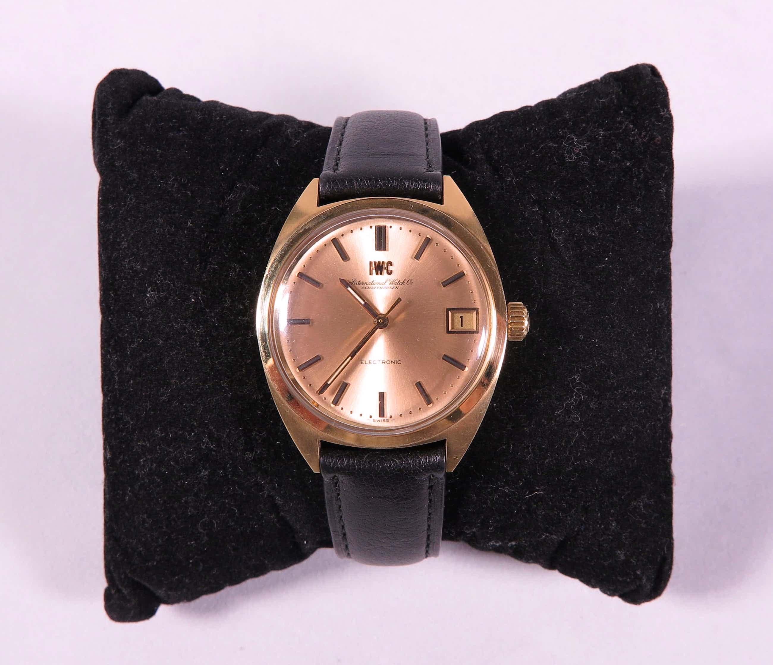 IWC - Electronic 18K Goud, Zwitsers herenhorloge met zwart lederen band kopen? Bied vanaf 1600!