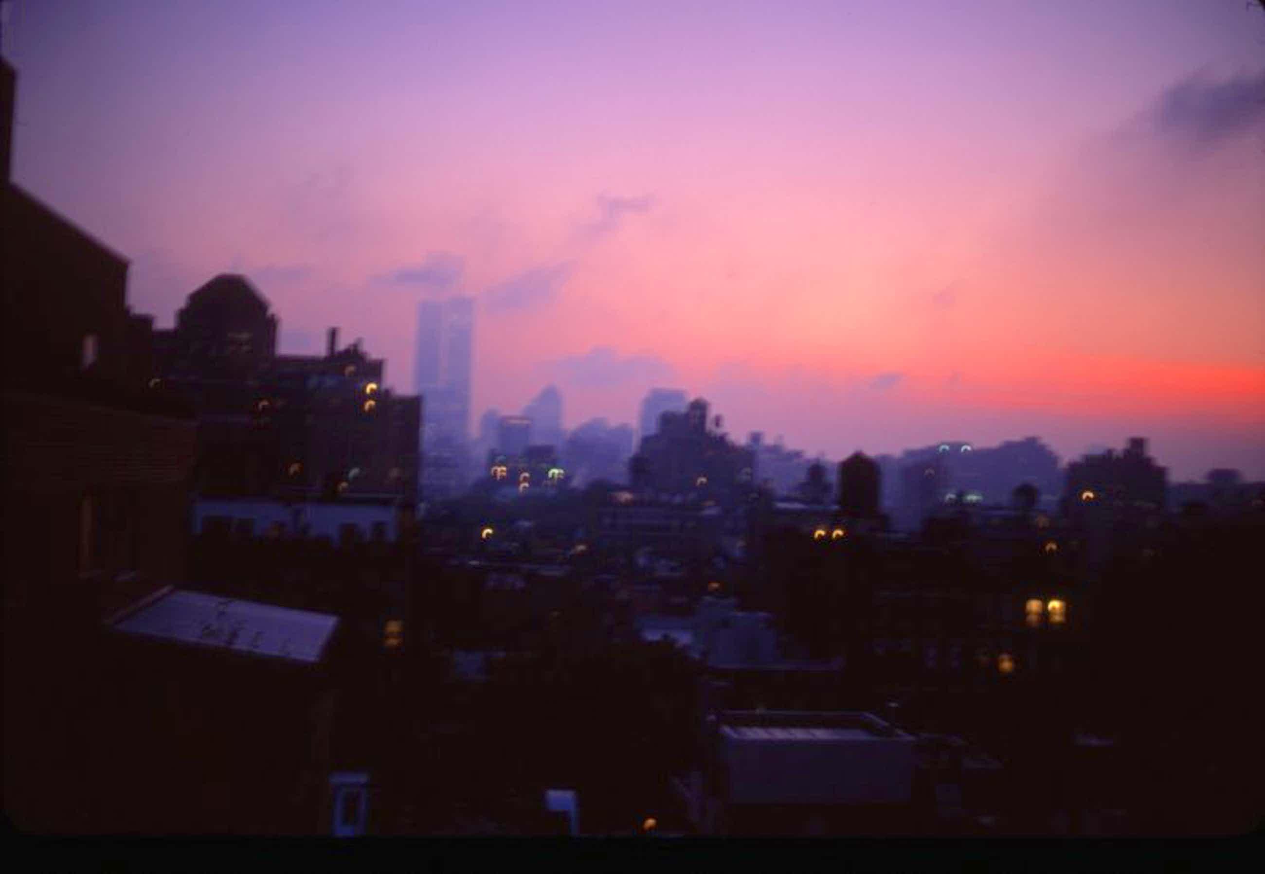 Nan Goldin - Apocalyptic Sky Over Manhattan, NYC, 2001 kopen? Bied vanaf 500!