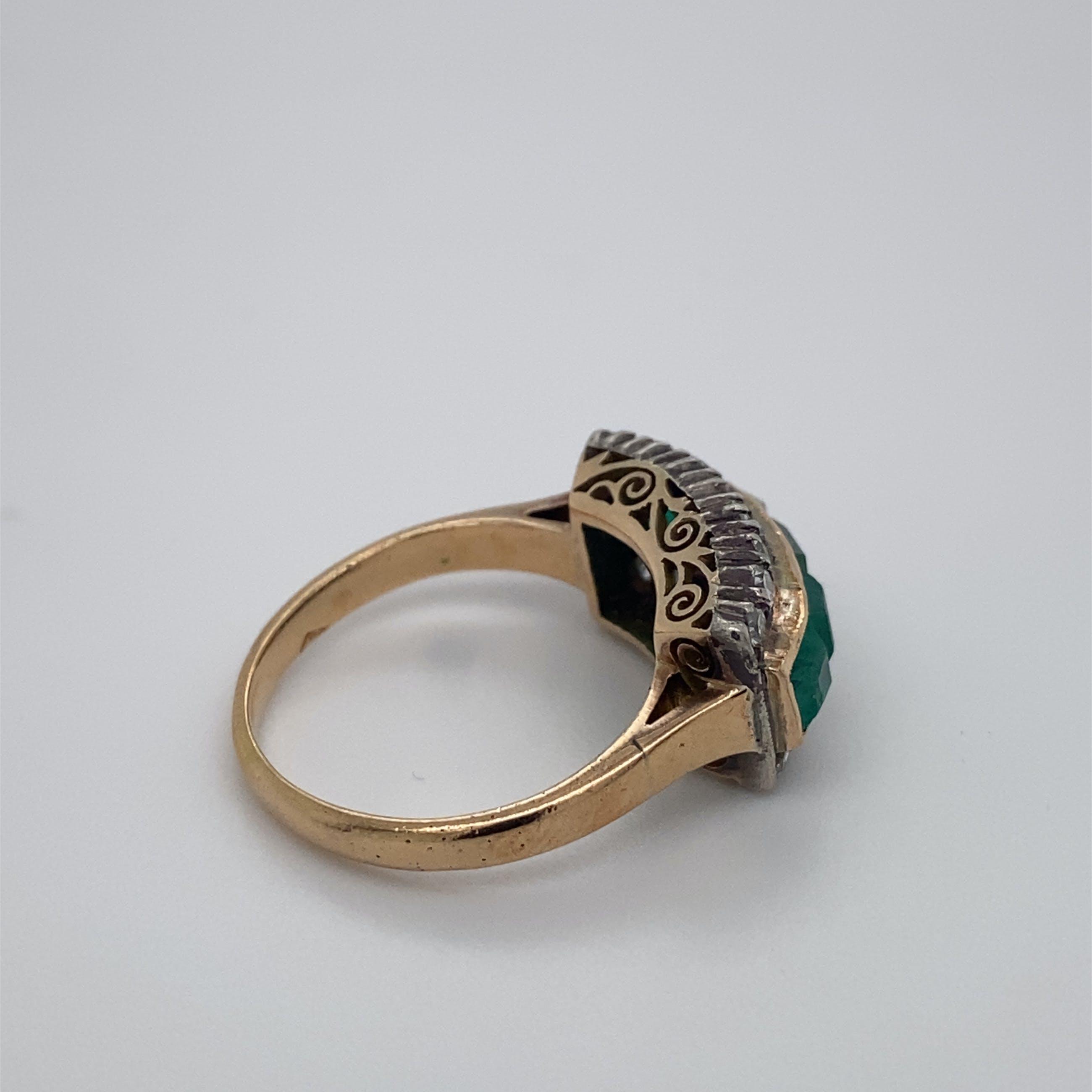 14kt bicolor vintage ring  met smaragd en diamant, mt 52,5/16.75. 3,89gr kopen? Bied vanaf 320!