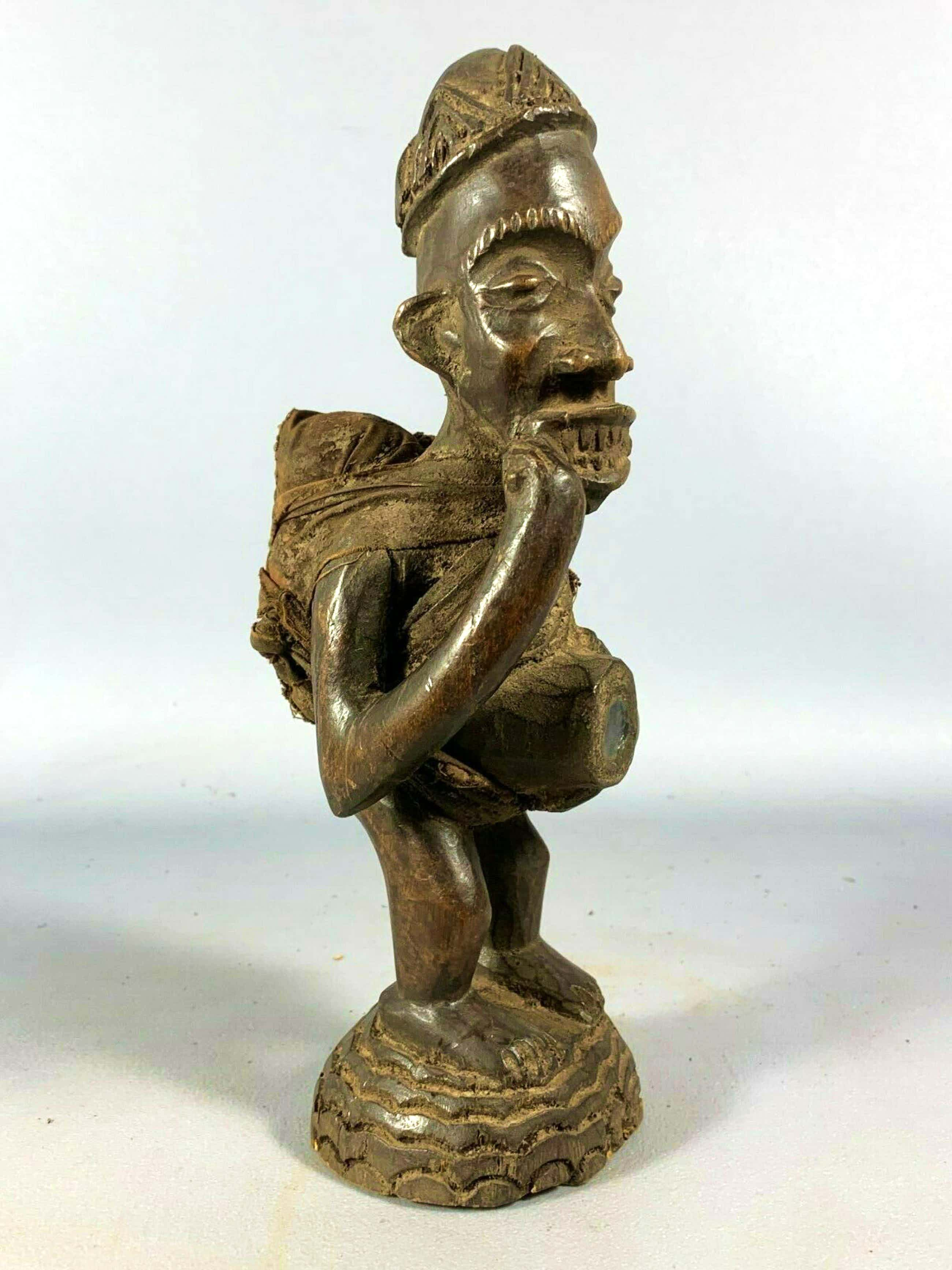 Bakongo - 200723 - Old Tribal used African Bakongo protection figure - Congo. kopen? Bied vanaf 85!